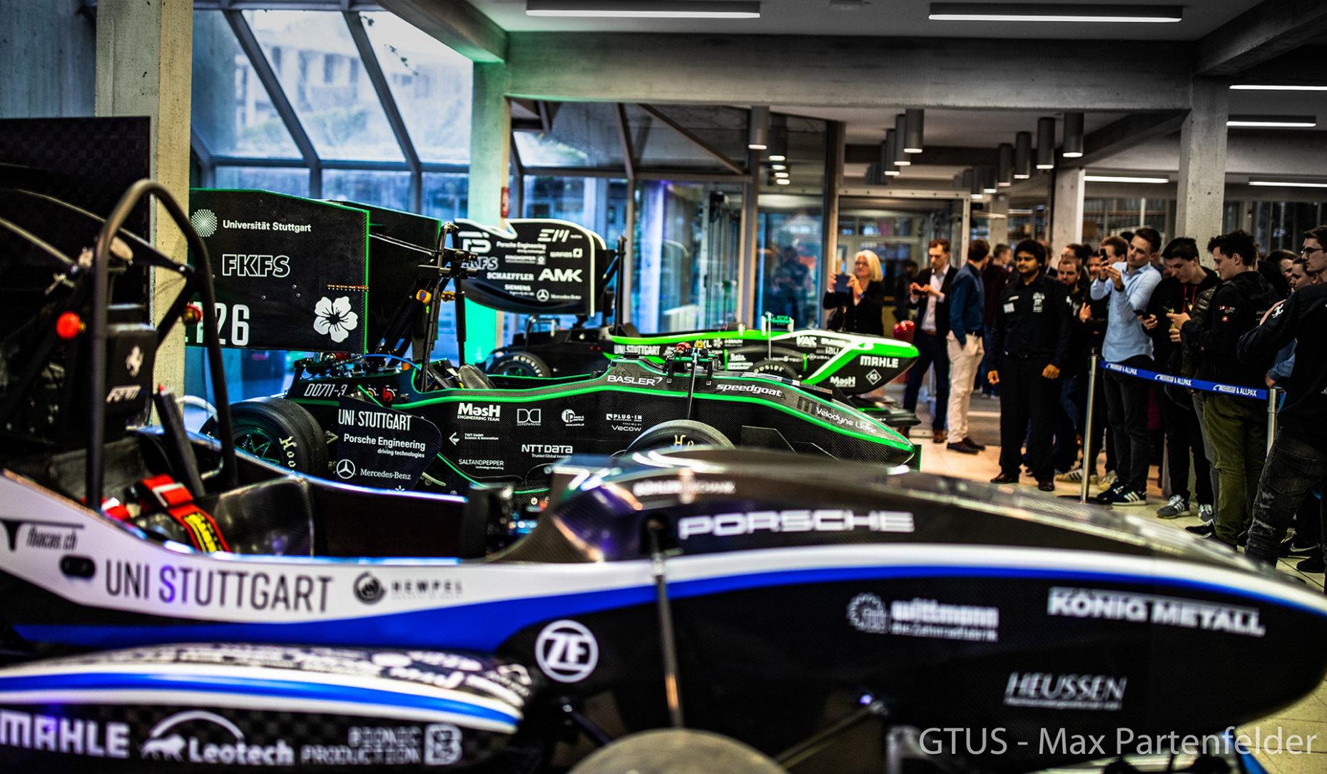 """Die beiden neuen Rennwagen-Prototypen des Stuttgarter """"Green Team"""" werden vorgestellt"""